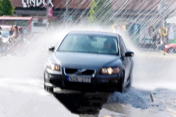汽车下雨检测电路
